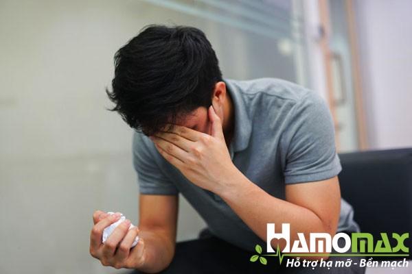 Một số triệu chứng như hoa mắt chóng mặt thường bị bỏ qua