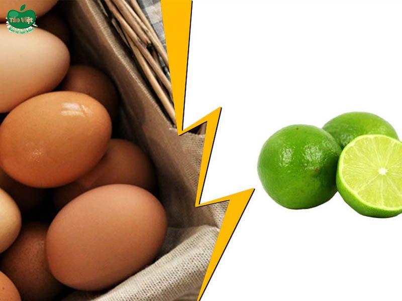 Kết hợp chanh tươi và trứng gà trị gàu