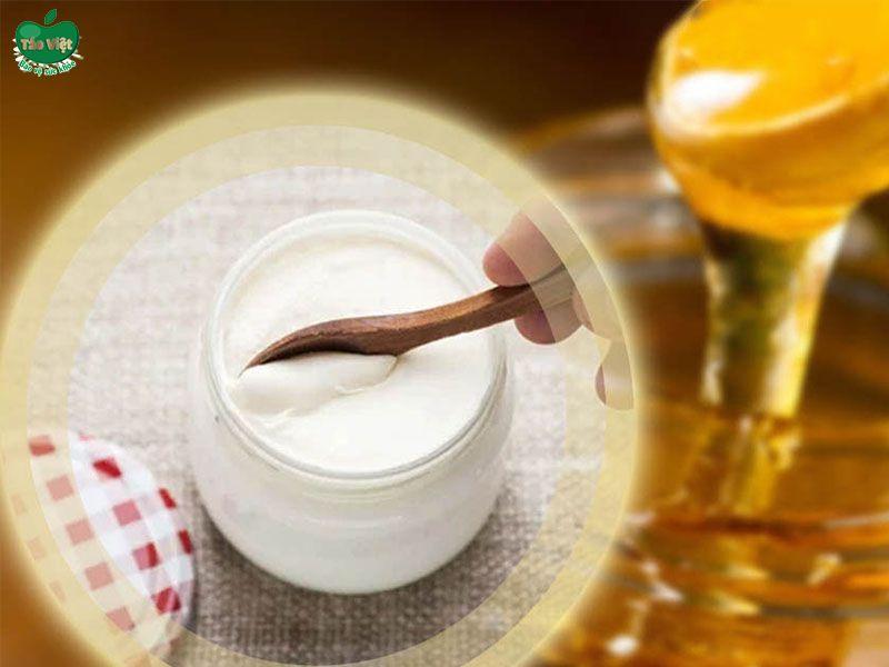 Mẹo trị rụng tóc bằng mật ong và sữa chua
