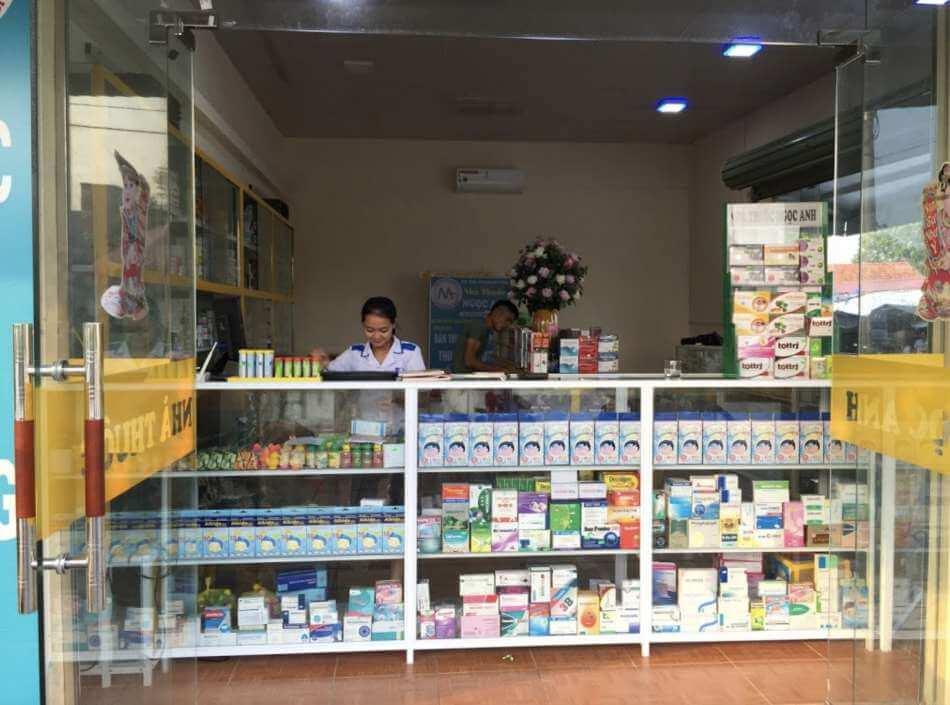 Hình ảnh chụp trước nhà thuốc Ngọc Anh